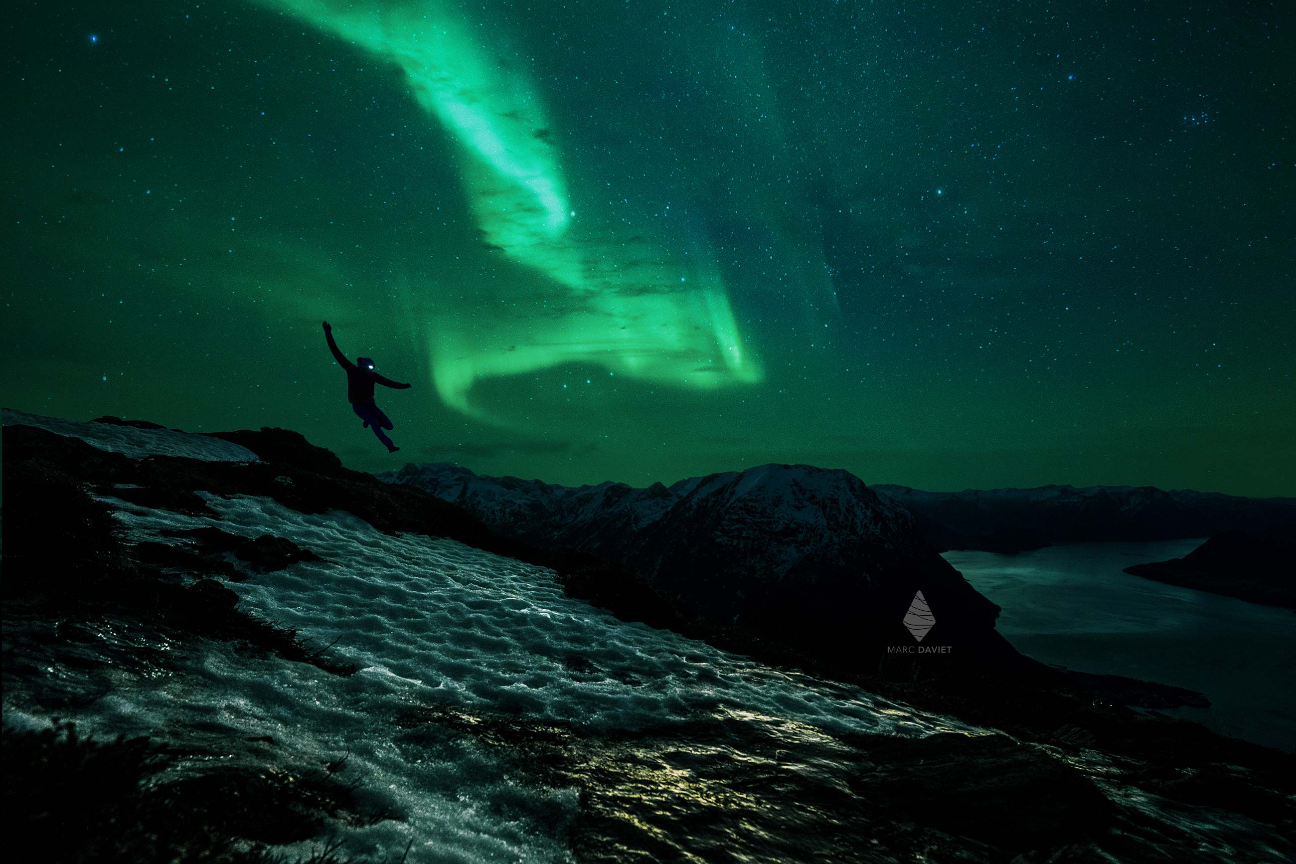 Kilian Jornet under the Aurora borealis