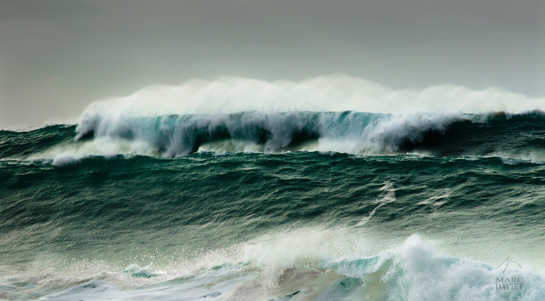 Waves - Marc Daviet Photography
